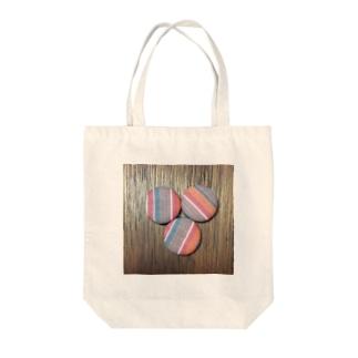 オレンジストライプピンバッジプリント Tote bags