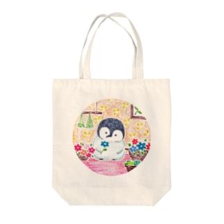 お花とペンちゃん Tote bags