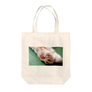 猫の手も借りたい Tote bags