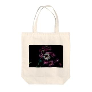 Flower in the dark トートバッグ
