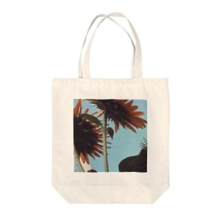 太陽を見上げる向日葵 Tote bags