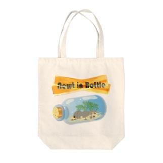 Newt in Bottle Tote bags