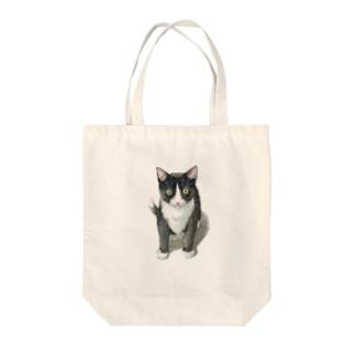 ハチワレ子猫 Tote bags