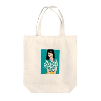 開襟シャツの女の子 Tote bags