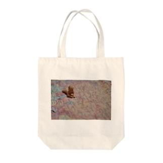世界滅亡 Tote bags