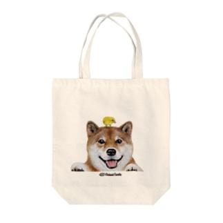 柴犬とひよこ 手描きイラスト Tote bags