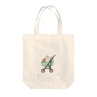 クマちゃんとおでかけ Tote bags