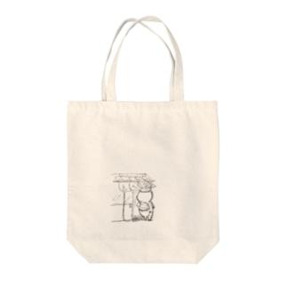 生まれ変わる豚 Tote bags