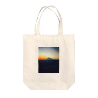 ユウヤケ Tote bags