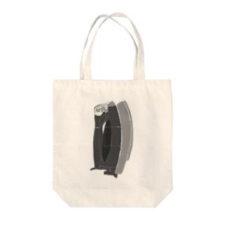 アイロン Tote bags
