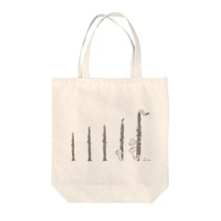 クラリネットとうさぎ Tote bags