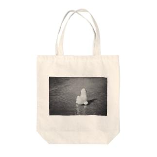 夏の終わり Tote bags