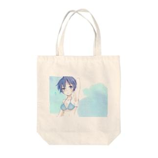 boyish girl Tote bags