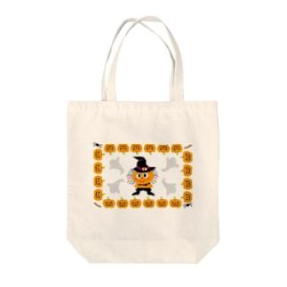 ハロウィーンの仮装パーティーのクレコちゃん Tote bags