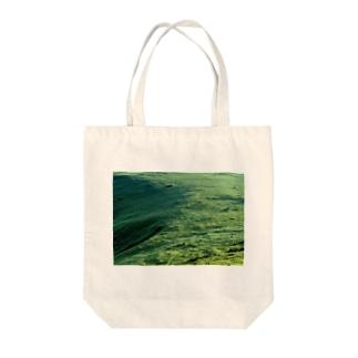 草原 Tote bags