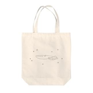 夜空飛ぶシロナガスクジラ Tote bags