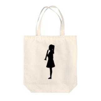 クラリネットを吹く女の子 Tote bags