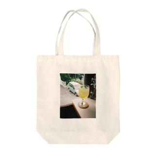 レモネード Tote bags