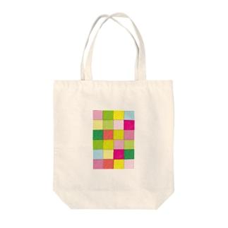 yokota rikuの春のパッチワーク風 Tote bags
