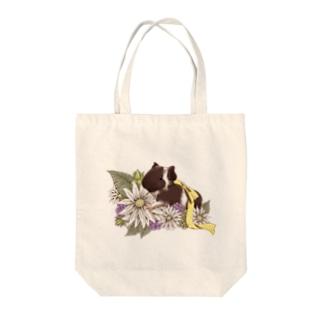 お花とモルモット07 Tote bags