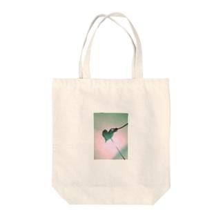 愛の始まり Tote bags