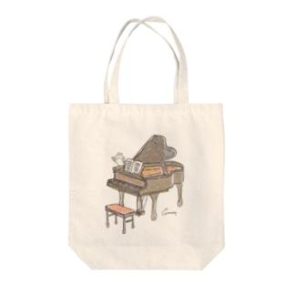 ピアノとうさぎ Tote bags