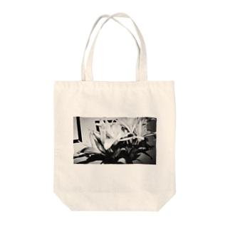 ユリさん Tote bags