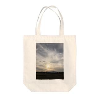 太陽の電波塔 Tote bags