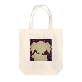 girl4 Tote bags
