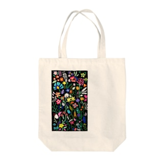 botanical black Tote bags