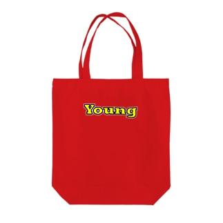 ヤング Tote bags