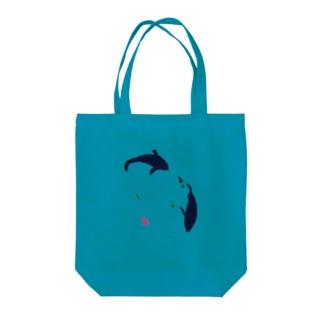 水面 Tote bags