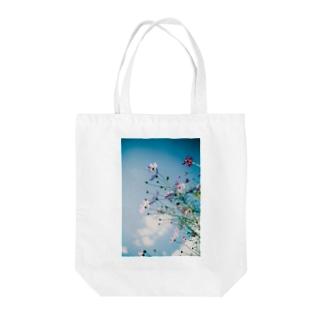 秋桜と秋空ii Tote bags