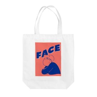 コアラ オン フェイス Tote bags
