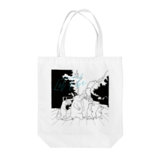 crossing the road(黒) Tote bags