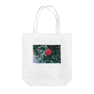 つやつやの椿 Tote bags