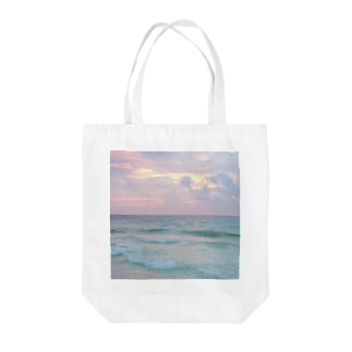Morning Child Tote bags
