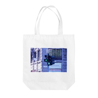 15 seconds Tote bags