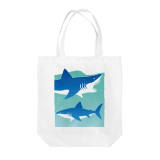 LOVE SHARK Tote bags