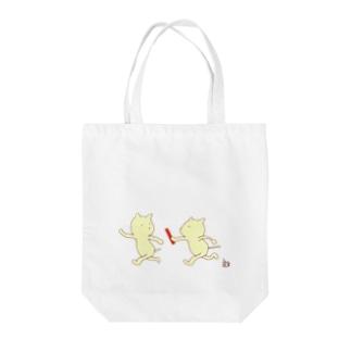 ねこバトン Tote bags