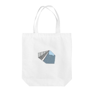 川、海へ Tote bags