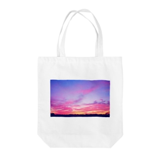Pink Sunset sky Tote bags