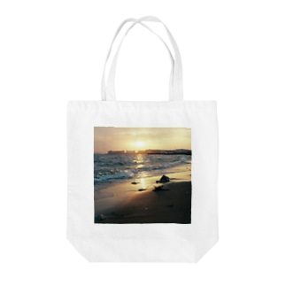 melting Tote bags