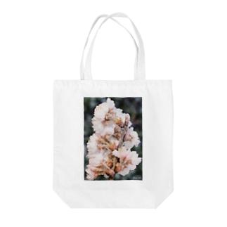 Frozen flower  Tote bags