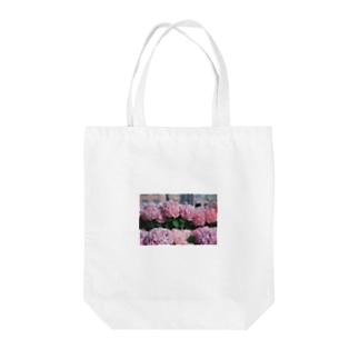 nagasaki flower Tote bags