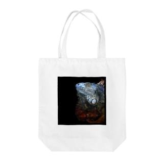 雅-イグアナ Tote bags