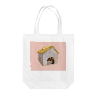 コーンスネークのももちゃん Tote bags