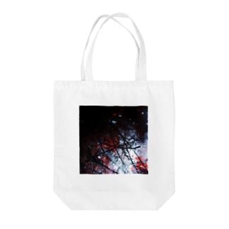 紅。 Tote bags