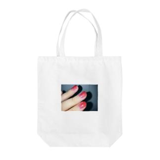 ピンクグラデーションピンク Tote bags