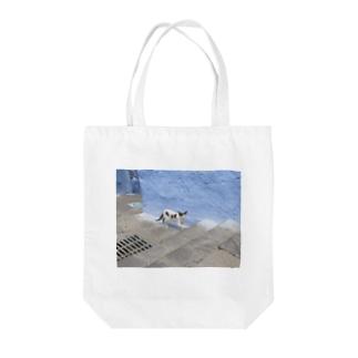 モロッコの猫_シャウエンの白黒猫 Tote bags